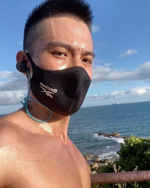 在海邊跑步真的就是不一樣,能看到大海真的很舒服,都沒什麼壓力了~ 還沒追蹤的趕快哦 👉IG: lplp0506 追蹤我臉書粉絲專頁:威利訓練基地 Faceb...