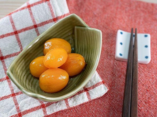 【蜂蜜醋漬番茄】 當季盛產的小番茄真的是在美味不過了。 此時,與蜂蜜一同做成醋漬番茄真是一道相當好吃又開胃的小菜。 做好直接享用也很美味,也很推薦與沙拉或義...