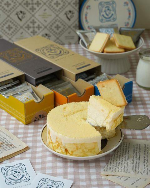 🐄#超濃郁牛奶起司蛋糕 #父親節蛋糕 《東京牛奶起司工坊 》 Tokyo milk cheese factory 這間東京ミルクチーズ工場大家肯定都知道 整顆的...