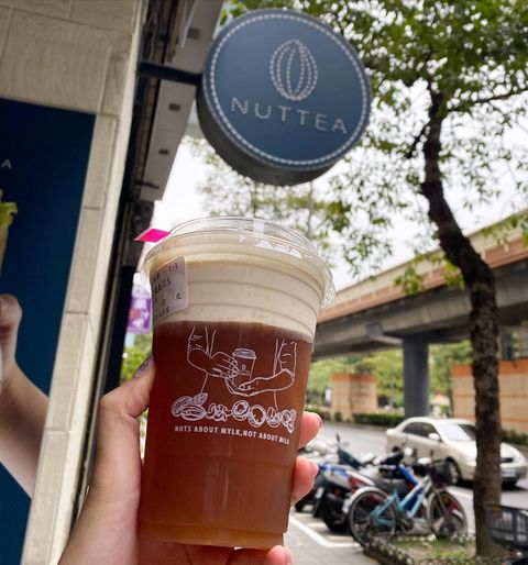 #台灣奶茶節 の振り返り。 ナッツティーの専門店 #nutteanutmylktea #堅果奶茶 という名前の#ドリンクスタンド 写真2枚目はサイトより拝借。...