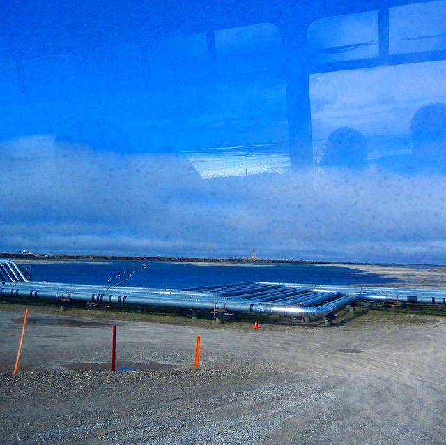 2021.07.14 普拉德霍灣Prudhoe Bay 在美國阿拉斯加州北方的小鎮 是美國最大的油田地點 每年有上千個外來工作者到油田工作 也有人說這裡是泛美公路...