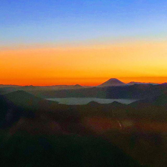 ✈️ 夕陽がきれい❗️支笏湖と羊蹄山 ✈️ The setting sun is beautiful ❗️ Lake Shikotsu and Mt. Yotei...