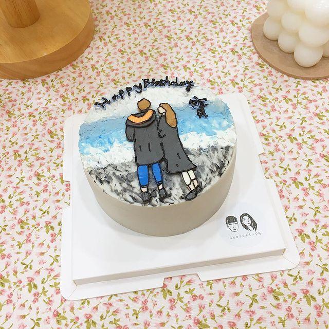 x客製化4吋油畫 以韓式白奶油製作 簡約人像和天空、海、石路 與你一起看過的美景 #複製人手作 #台北甜點#台北蛋糕#蛋糕 #油畫#蛋糕#甜點 #台北美食 #...