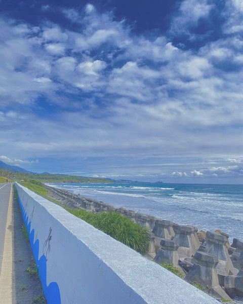 ( ˃᷄˶˶̫˶˂᷅ )🌊💙 #森呼吸之旅in台東東東 貪心的想把東海岸的海都蒐集一遍 偶的文章是有接續ㄉ! 回頭整理照片按照行程的發 就有再一次經歷的感覺˙...