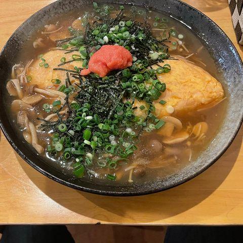 「2021年3月」 JR奈良駅の近くにある「F~iris(フィリス)」で食べたオムライス。 奈良方面に一人旅で訪れた際、 オリックスレンタカー奈良駅前店に車...