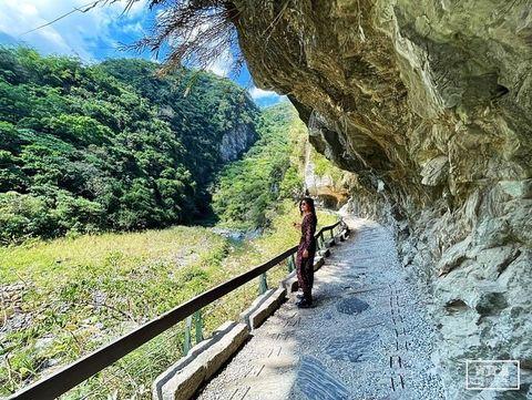 台灣/花蓮 有人跟我一樣喜歡花蓮悠閒放鬆的氣氛嗎🙋🏻♂️ 這幾天在家悶壞了就會翻翻花蓮的照片回味一下☺️ 上一篇分享完免費景點山月吊橋 再來分享超美的👉🏻砂...