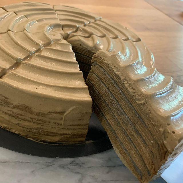5/21週五 公佈時間下午1:30 今日甜點菜單 請往下閱讀 《入內請戴好口罩》 📌千層蛋糕大大大重點 ①鉄工的千層蛋糕口感跟常見的感覺不一樣呦。我們偏...