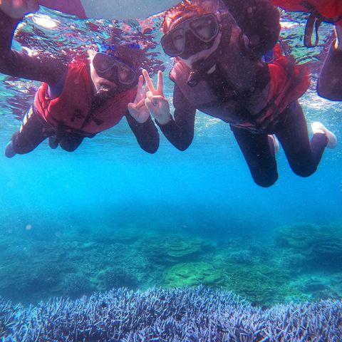 Day3忘憂島 整趟旅途中最貴的行程,大概可以再讓我睡兩晚民宿😂但!!真的很值得,不枉費我的期待,這片浮潛海域比之前在沖繩的還要美還要清澈,珊瑚礁也美到不行,可惜...