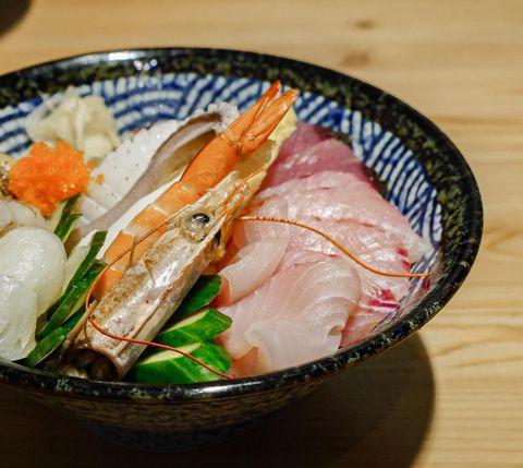 只有海 島嶼風格餐廳 #綠島美食 #candice的愛店🤤 -第一次吃#鬼頭刀生魚片 就獻給了只有海 -每天生魚片的魚種都不同 -都是當地新鮮現捕✨ -每樣都是...