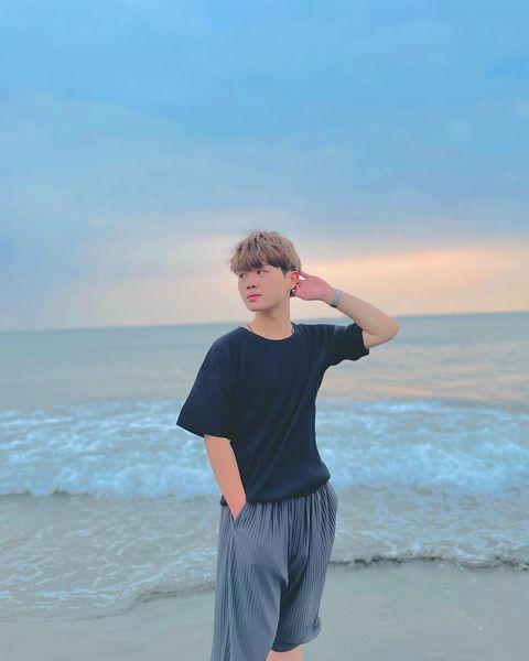 🔺台灣本土疫情擴散 大家記得勤洗手戴口罩,疫情控制下來才能出去玩 現在只能看著之前的照片乾瞪眼🥺 不知道今年還有沒有機會當水男孩,難得20年來BMI唯一一次正常欸...