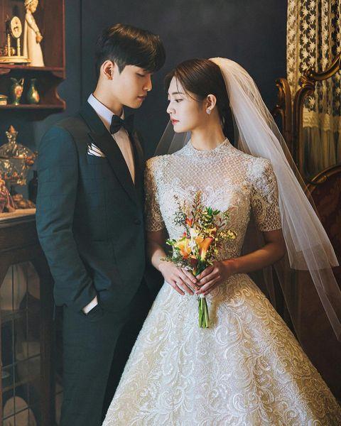 [ ' 我'與 '你'的相遇時間💐:📷] 📩有興趣想要了解或資訊韓國攝影棚相關信息的話,立刻留言或直接inbox我們吧。 不得不來韓國進行婚攝的理由: 😍 為...