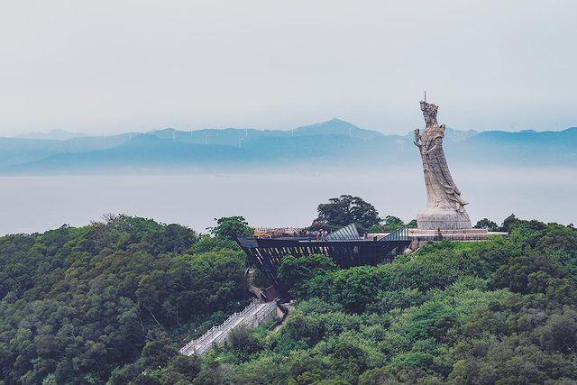 #landscape #statue #landscapephotography #buildingphotography #sonya7r2 #zeisscam...