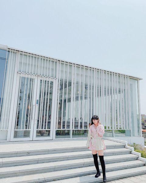 純淨無暇的白建築,不免讓人增添幾分氣質 但實際上的樣貌⋯ 在第二張 - 📍 帝國糖廠湖濱生態園區 40152台中市東區樂業路30號 #色調分享: karo...