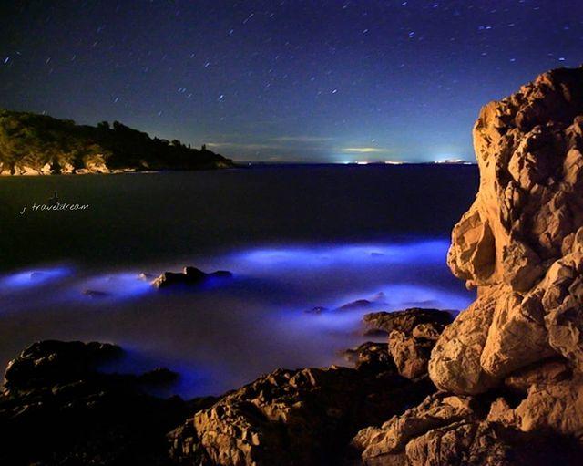 淚海 馬祖南竿鐵堡🌠✨🌊 🇹🇼 Blue tears of the Ocean, Matsu, Taiwan 📸 j_traveldream . . . #nan...