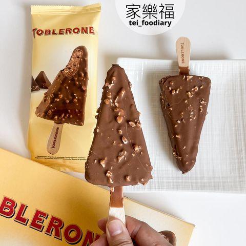 •家樂福美食• ◆ 瑞士三角巧克力雪糕(4入) $279 . 找了好幾次終於在家樂福買到這款了😂 不過一盒只有4隻,一隻約$70真的不便宜🥺 . >>#瑞士三角巧...