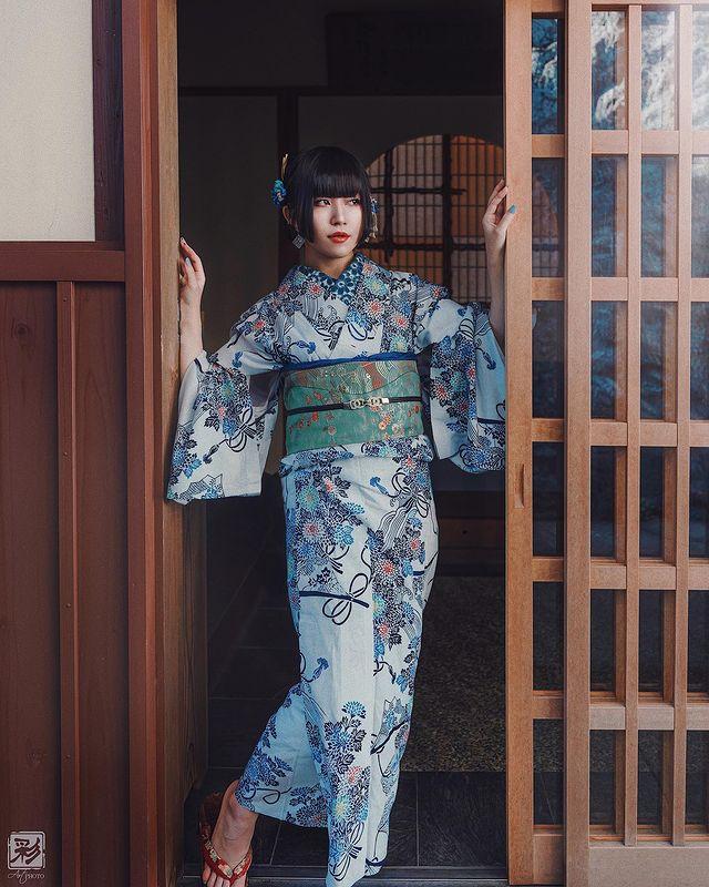 Self-portrait . . . Morning scenery . . . Motif - me Costume & Kitsuke & Hairmake...