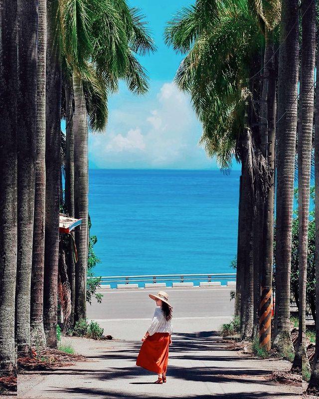 🇹🇼台東 | Taitung ⠀ 來到台東最美的事就是——橫🙂 在眼前的盡是無敵的碧海藍天!🙃 ⠀ ⠀ 📍地點:華源海灣📍 ⠀ ⠀ 📸Photo by taiwa...