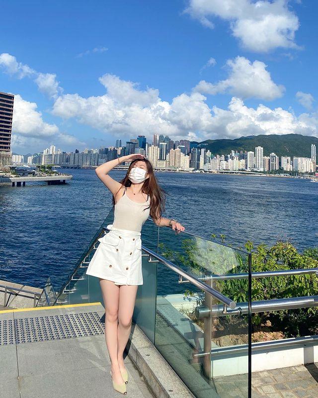 🌞 . . . · · • • #自撮り女子 #hkdaily #hkig #自撮り #hkgirl #寫真好きな人と繋がりたい #寫真 #拍照 #igh...